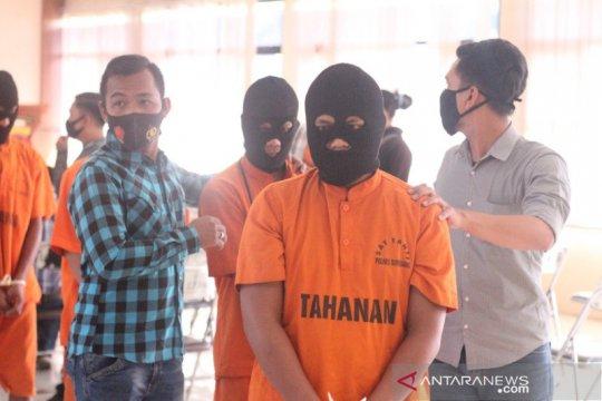 Polisi tangkap komplotan pencuri kain senilai Rp1,4 miliar di Sumedang