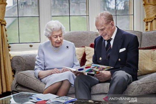 Ratu Elizabeth dan Pangeran Philip rayakan 73 tahun pernikahan