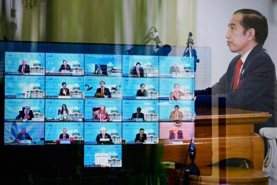 Kemarin, Jokowi hadiri KTT APEC hingga surplus transaksi berjalan