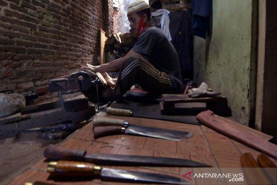 Perajin benda tajam di Lampung alami lonjakan permintaan
