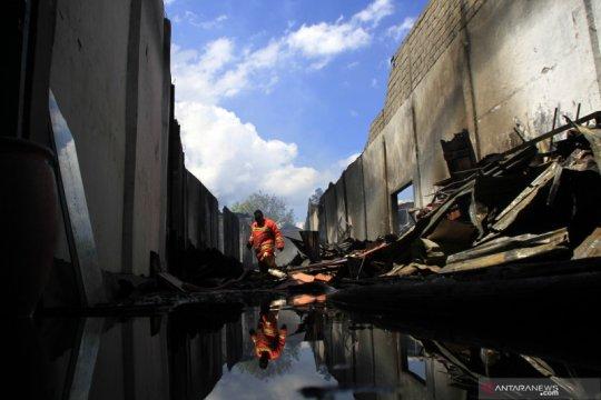 Gudang mebel di Kota Kupang terbakar