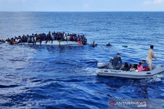 Ratusan migran diselamatkan  dari kapal kayu di lepas pantai Tunisia