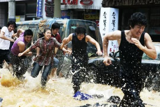 """""""Haeundae"""" drama tentang menyelamatkan diri dari tsunami"""