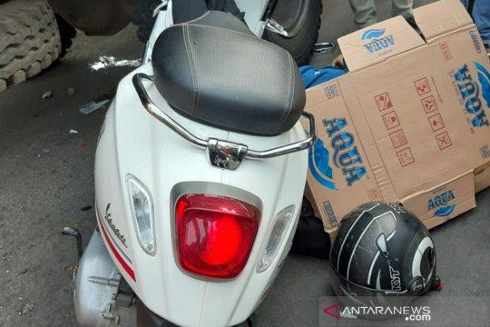 Jurnalis Metro TV tewas akibat menabrak truk sampah di Cakung