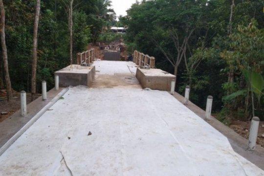 Permudah mobilitas warga, PUPR bangun jembatan gantung Mekar Baru
