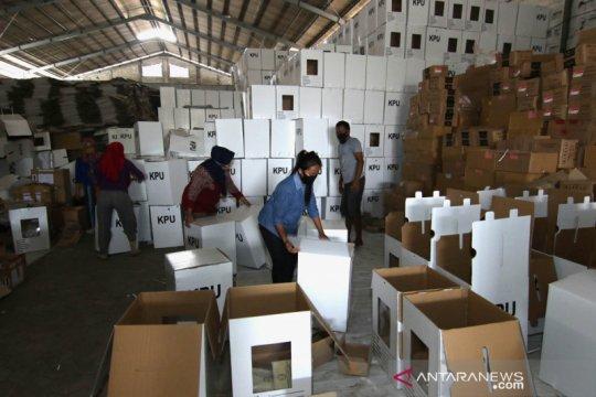 Perakitan kotak suara Pilkada Banyuwangi