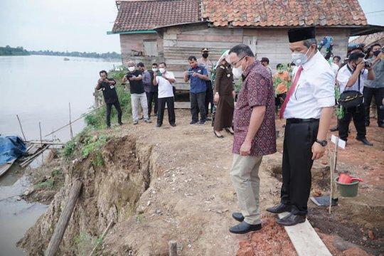 Kabupaten Muba fasilitasi infrastruktur toilet warga bantaran sungai