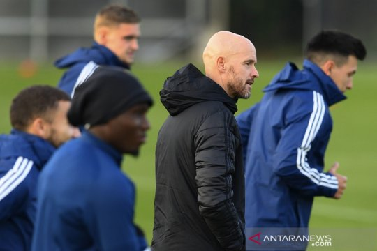 Ajax berharap Klaassen dan Mazraoui siap turun lawan Midtjylland