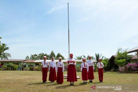 800 guru disediakan PTPN V mengajar di pelosok perkebunan