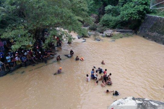 Dua remaja di Sukabumi tenggelam, satu ditemukan tewas
