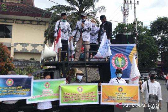 GTT Jember tuntut perbaikan nasib di Hari Guru Nasional