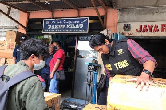 Bea Cukai Jatim 2 sita ratusan ribu batang rokok ilegal