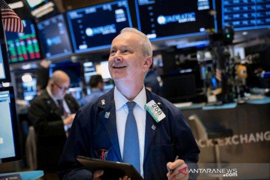 Wall Street melambung tinggi, Indeks Dow Jones menembus angka 30.000