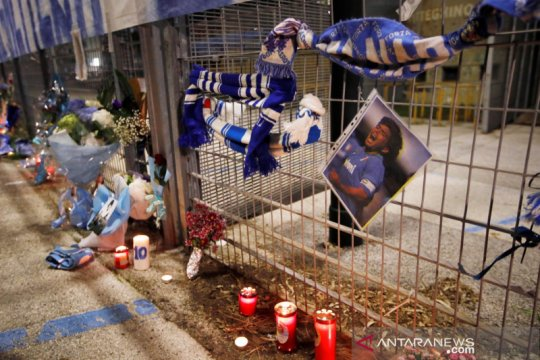 Napoli akan tambahkan nama Diego Maradona di stadion San Paolo