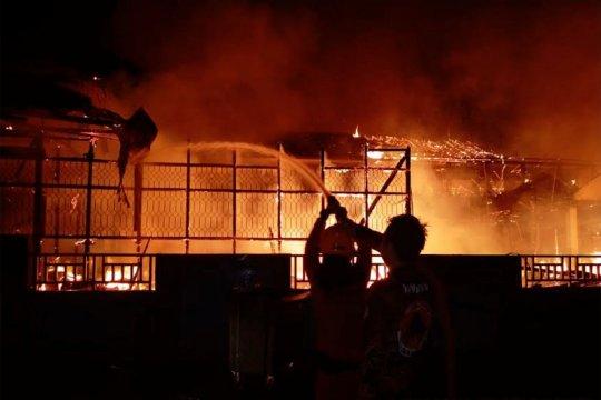 Sekolah dan rumah di Muara Teweh ludes terbakar