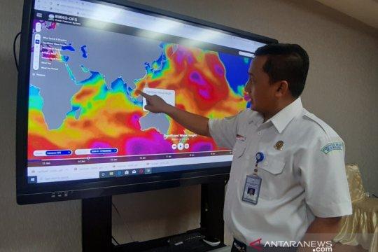 Rabu, waspadai potensi hujan disertai kilat di Jakarta