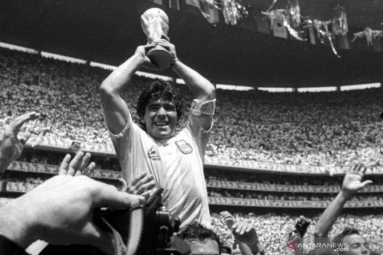 Mengenang legenda sepakbola Diego Maradona