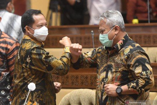 Rapat Kerja Pemerintah dengan DPR jelang Pilkada serentak