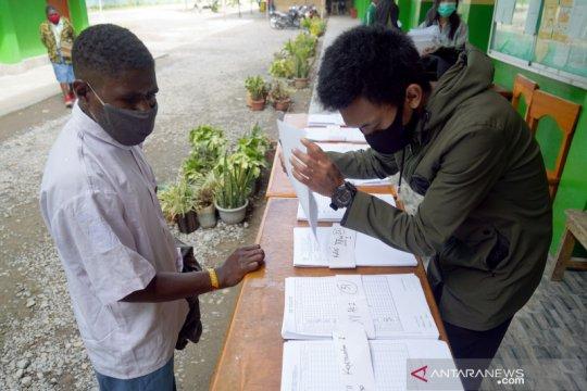 Kegiatan siswa belajar di Wamena
