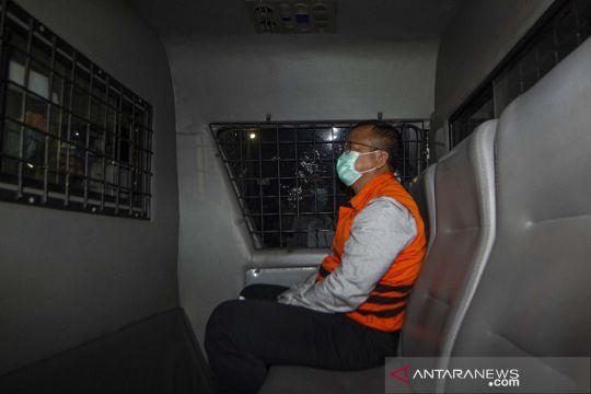 Usai diperiksa hingga dini hari, menteri Edhy Prabowo ditahan KPK