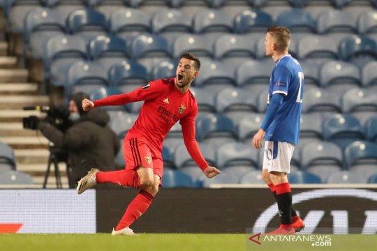 Rangers kembali buang keunggulan dua gol dan diimbangi Benfica