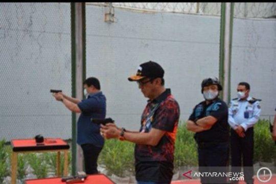 Menteri Yasonna Laoly mulai tekuni hobi menembak
