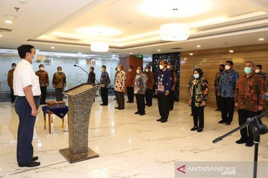 Menteri ad interim Luhut serahkan DIPA KKP 2021