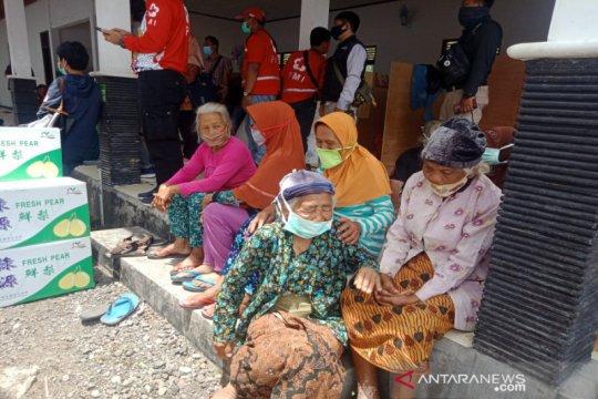 Masyarakat umum dilarang masuk barak pengungsian Merapi