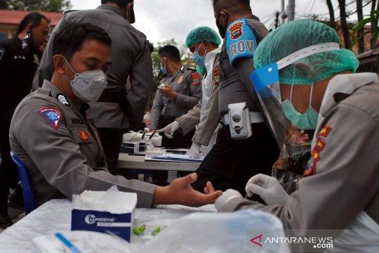 Tim pengamanan Pilkada Sulut jalani tes cepat COVID-19