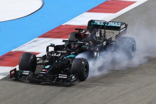 Hamilton, Vettel kritik purwarupa ban Pirelli untuk musim 2021