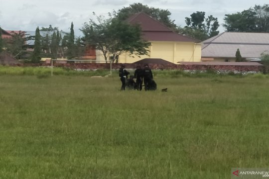 Polisi ledakkan granat nanas yang ditemukan warga di Pariaman