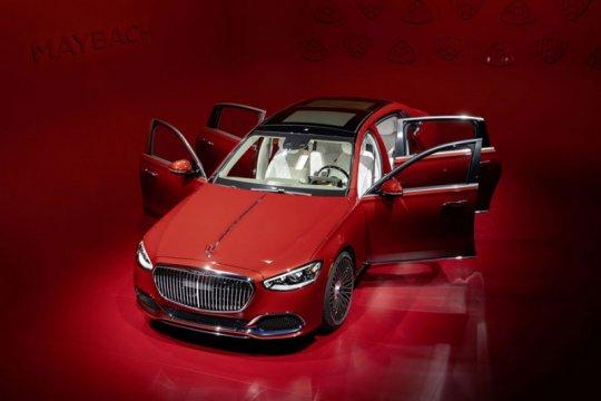 Melongok mewahnya Mercedes-Maybach S-Class berbanderol Rp3 miliaran