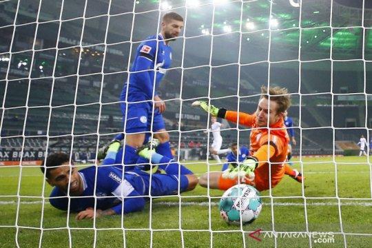 Menang 4-1, Gladbach kian benamkan Schalke di dasar klasemen