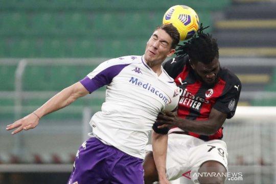 Liga Italia : AC Milan kokoh di puncak klasemen usai kalahkan Fiorentina 2-0