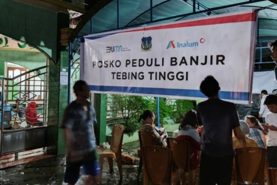 Bantuan pangan disalurkan INALUM bagi korban banjir di Tebing Tinggi