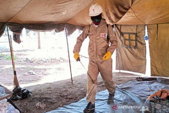 Cegah COVID-19, PMI disinfeksi pengungsian Gunung Ili