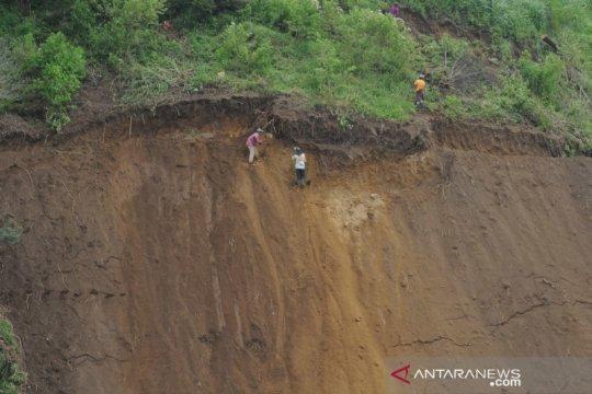 Lahan pertanian di kaki gunung Merbabu rawan longsor