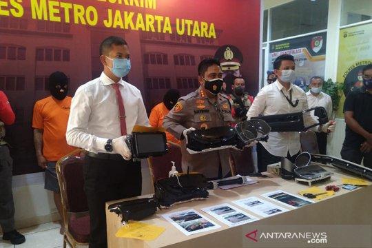 Polres Jakarta Utara tangkap dua pelaku spesialis pemecah kaca mobil