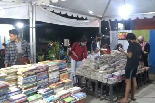 Bazar buku di tengah pandemi COVID-19 tetap disambut antusias