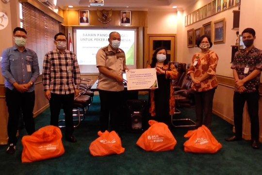 BP Jamsostek Batam beri sembako untuk pekerja terdampak pandemi