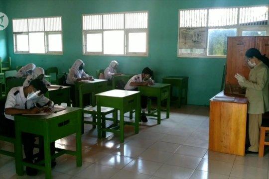 Hari pertama belajar secara tatap muka di SMPN 2 Kota Sampit