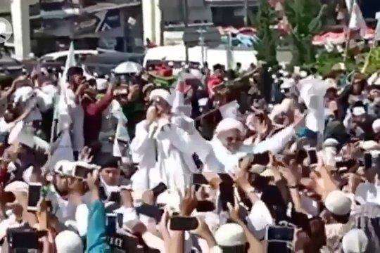 Jumat,Gubernur Jabar dan 10 orang terkait kerumunan di Megamendung diperiksa