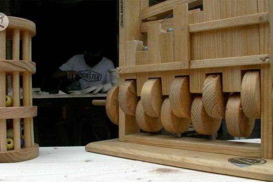 Kreasi mainan edukatif dari kayu, bertahan di tengah pandemi