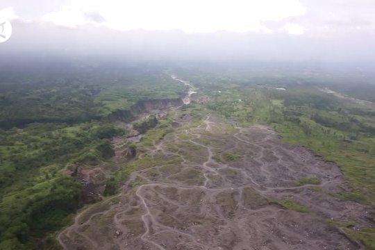 Pemantauan kondisi Gunung Merapi dari udara