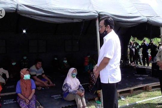Tinjau pengungsian, Sri Sultan ingatkan pentingnya penyebaran informasi