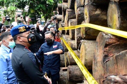 Operasi gabungan amankan ratusan kayu ilegal di Rimbang Baling