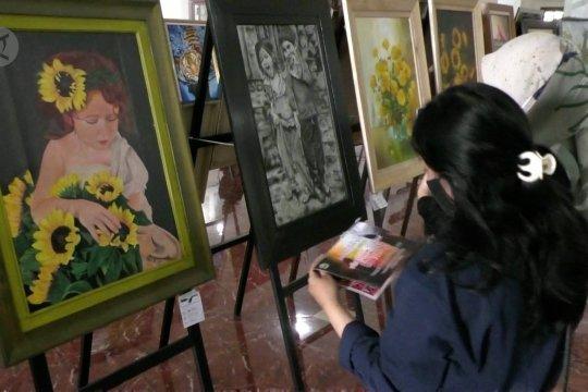 Cara seniman lukis pulihkan ekonomi di tengah pandemi