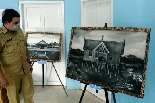 Memperkenalkan sejarah Sampit lewat lukisan kanvas
