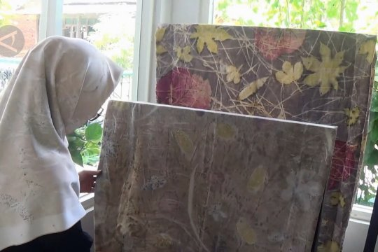 Batik ecoprint, batik kontemporer yang ramah lingkungan