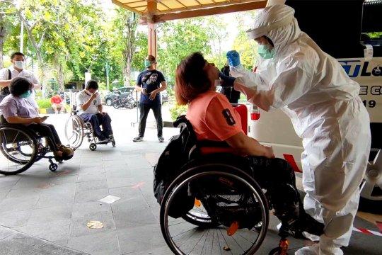 antisipasi penularan COVID-19, puluhan atlet NPC Indonesia jalani tes usap